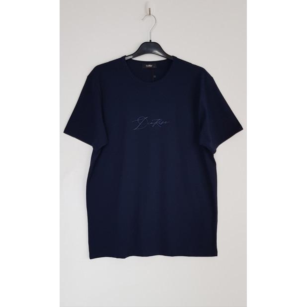 Tamsiai mėlyni marškinėliai...