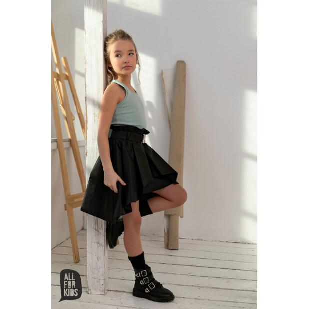 Juodas sijonukas su dirželiu