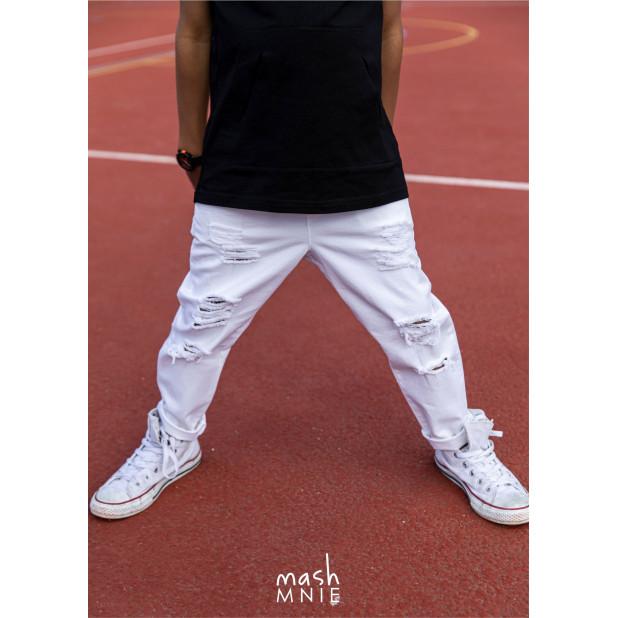 Balti džinsai berniukams